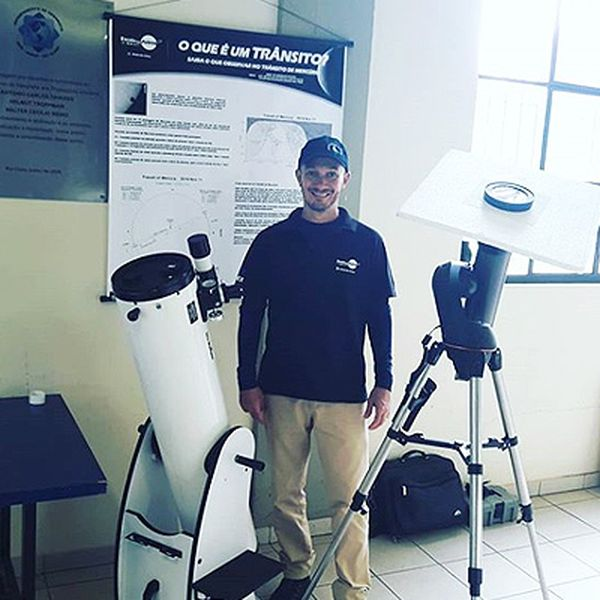 Imagem principal do produto Curso de Astronomia Fundamental e Essencial
