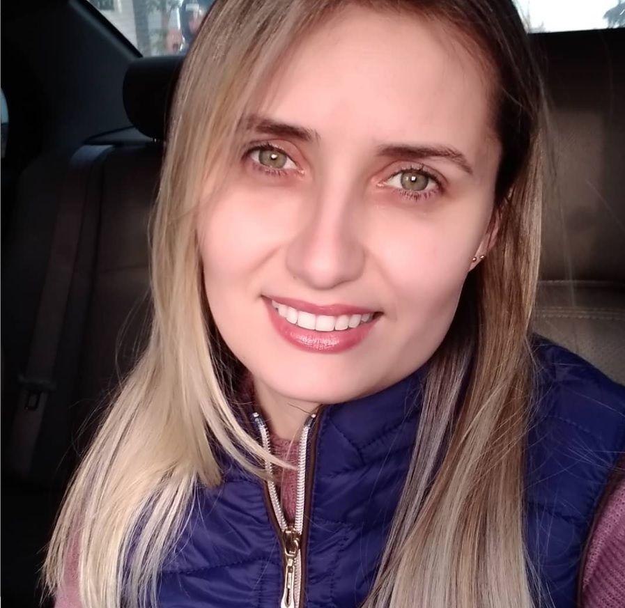 Ana  Samonek