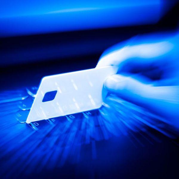 Imagem principal do produto APRENDE SOBRE CARDING, BINS Y SEGURIDAD INFORMATICA