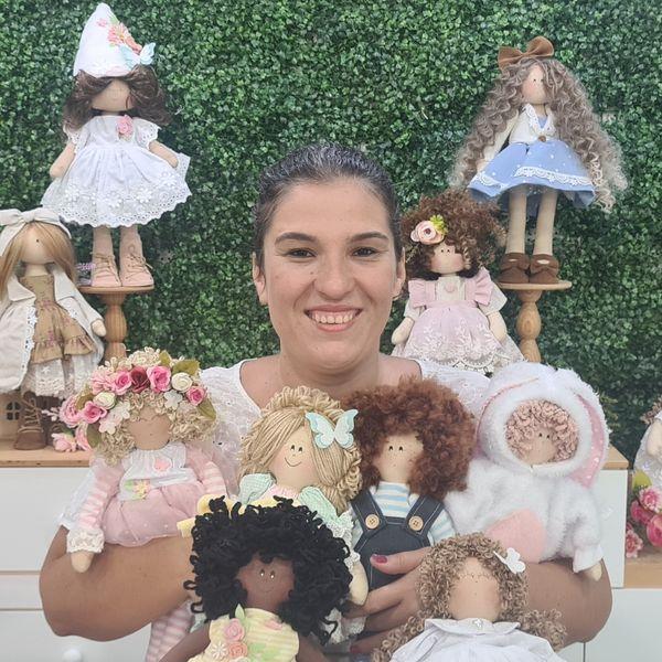 Imagem principal do produto Bonecas de Pano Ateliê Mônica Costa - assinatura