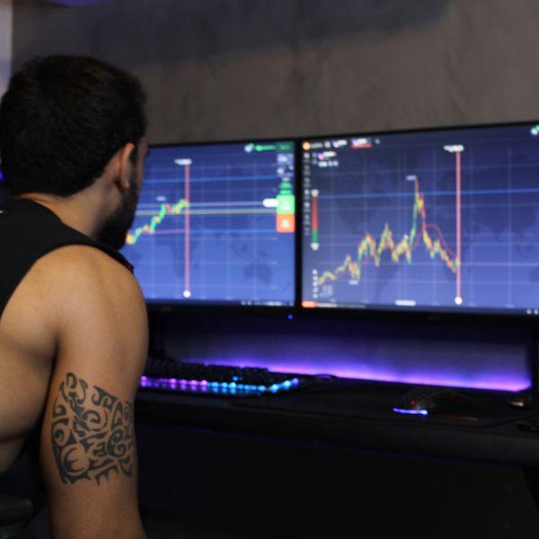 Imagem principal do produto Clã Trading - Sala de operações