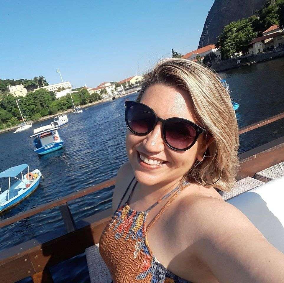 Aline Siqueira - 45 anos