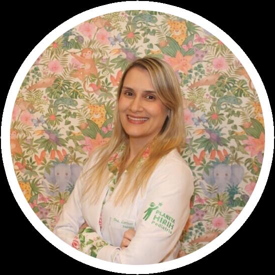 Dra Larissa Moura - Pediatra - CRM BA 26517