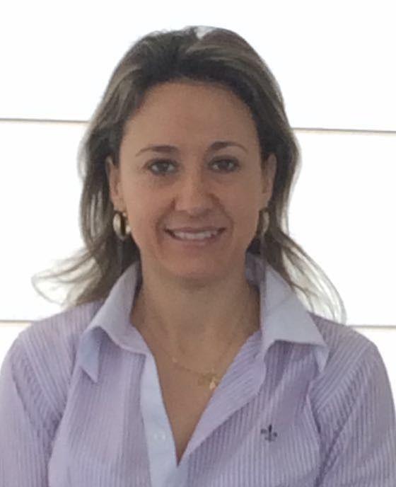 Dra. Elisandra Moreira
