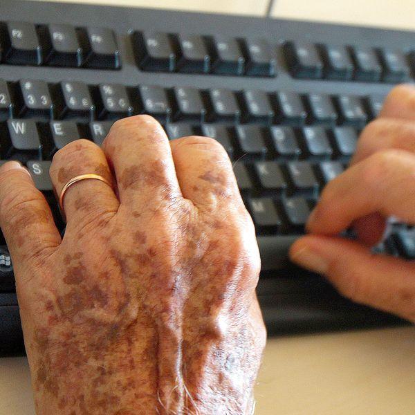 Imagem principal do produto Informática para Melhor Idade
