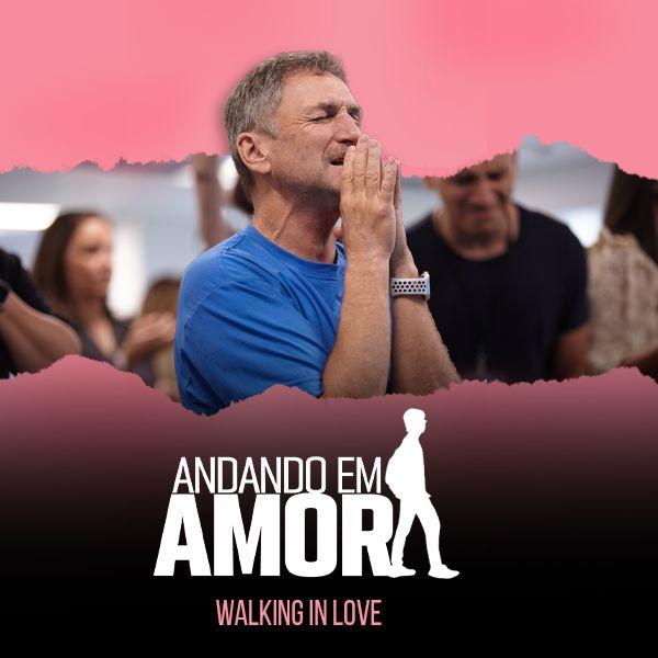 Imagem principal do produto Andando em Amor   Walking in Love