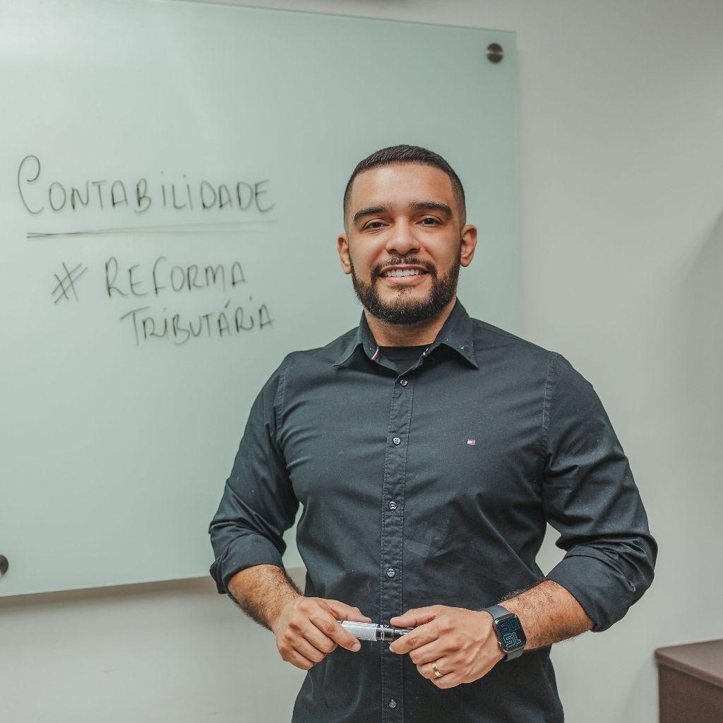 Professor Fellipe Guerra