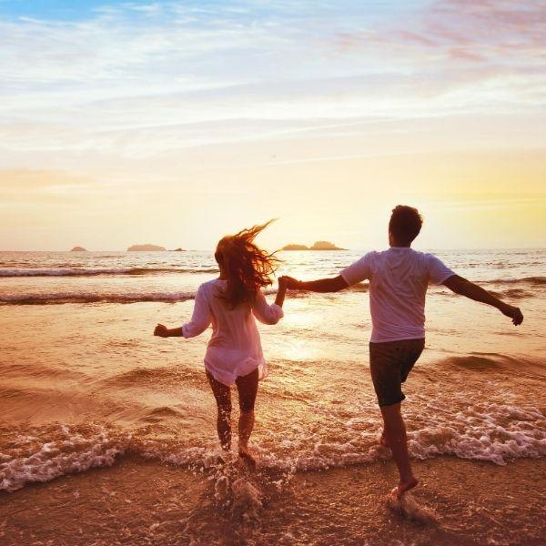 Imagem principal do produto 100 Segredos Para Turbinar o Seu Relacionamento Amoroso.