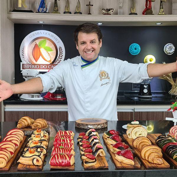 Imagem principal do produto Curso de Croissant - Chef Eduardo Beltrame