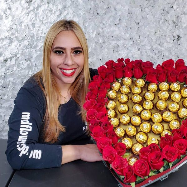 Imagem principal do produto CORAZON DE ROSAS-MODULO1-MD FLOWERS