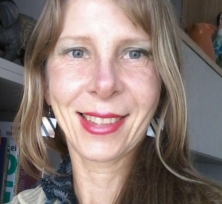 Dra. Flavia Krahenhofer