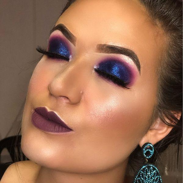 Imagem principal do produto curso profissional de maquiagem