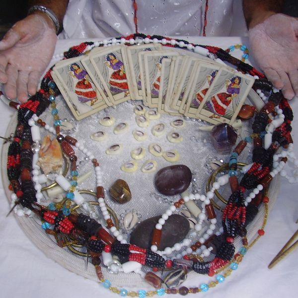 Imagem principal do produto Atendimento Espiritual com o Sacerdote Rafael Simas