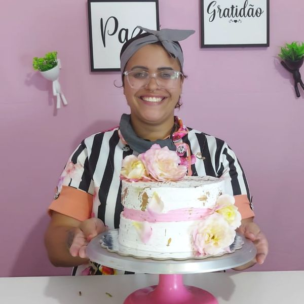 Imagem principal do produto Descomplica Confeitaria - Ana Garcia Cakes