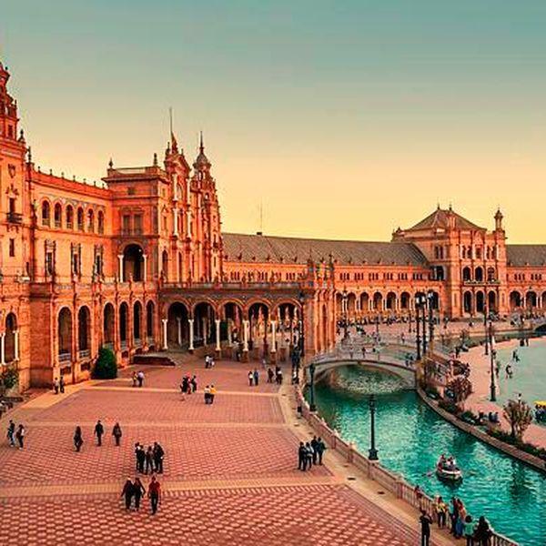 Imagem principal do produto Faça a sua graduação na Espanha | Consultoria