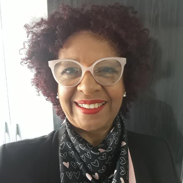 Maria Clarete - Professora